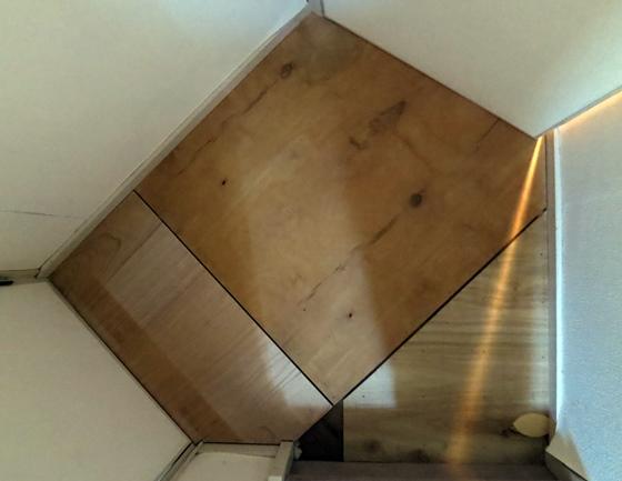 新しい床板配置
