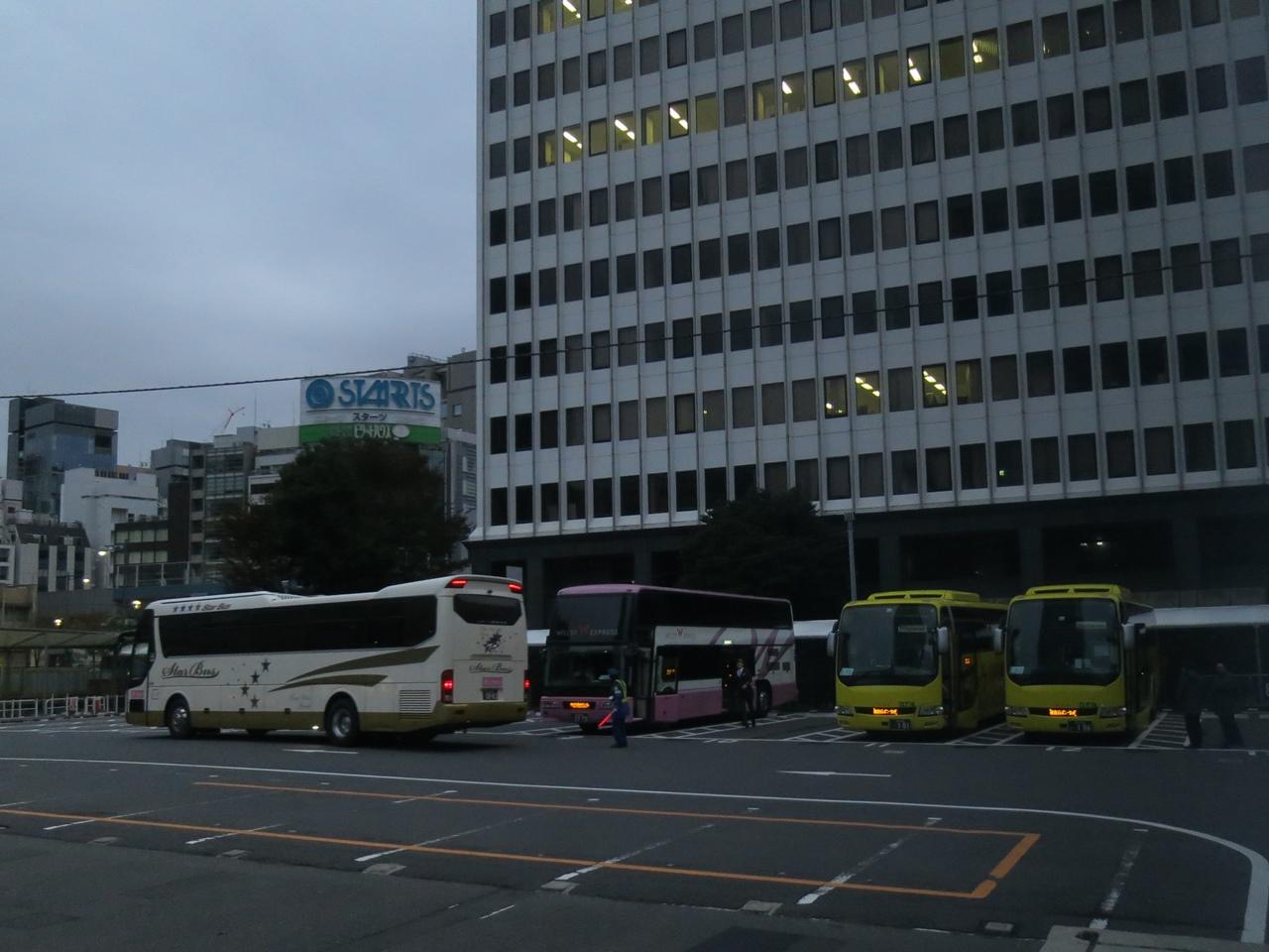 151125金沢から夜行バス-03