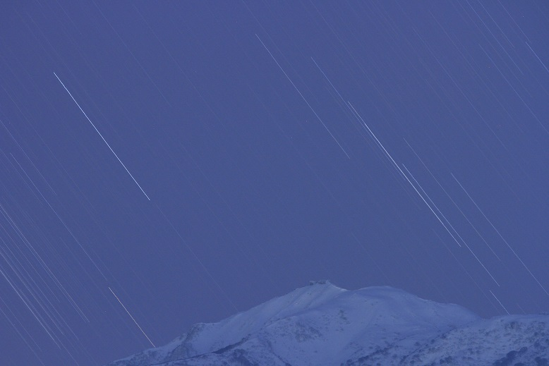 金北山に沈む星