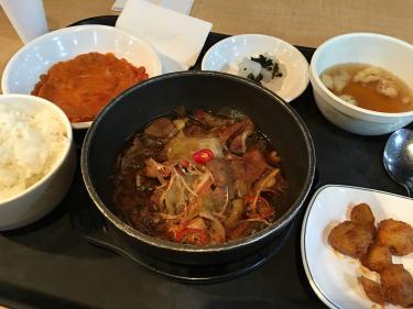 プルコギとキムチジョンの定食。4500ウォンなり!