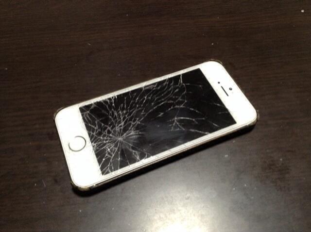画面割れiPhone