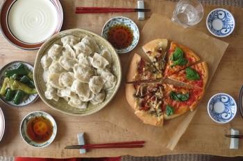 餃子とピザ