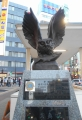 西口のフクロウ像
