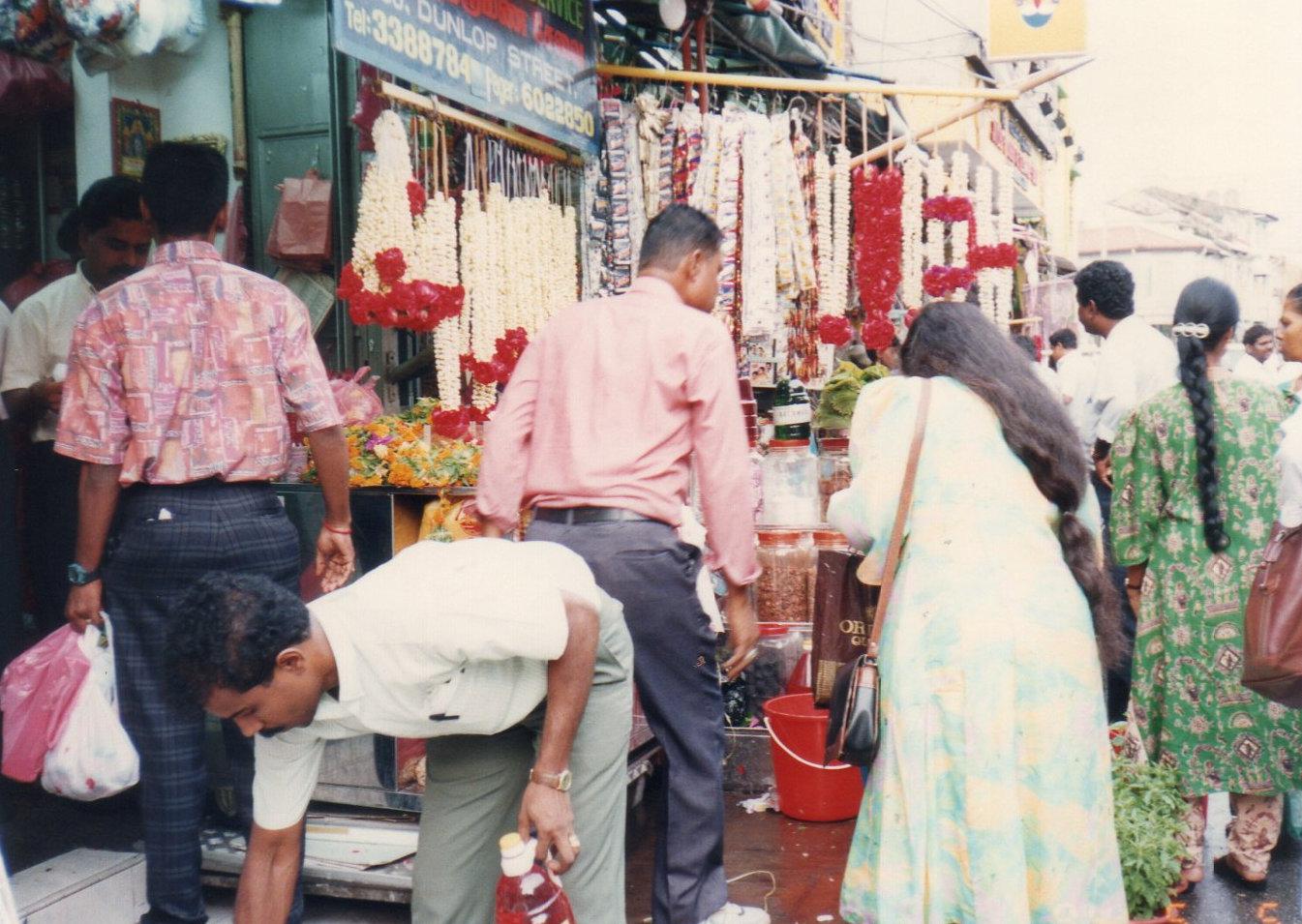 シンガポール1994年5月5日リトルインデアン スリ ヴィラマカリ・アマン寺院③193-1