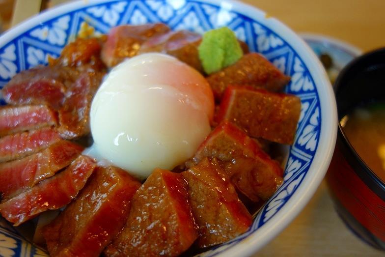 56熊本県 いまきん あか牛丼_E