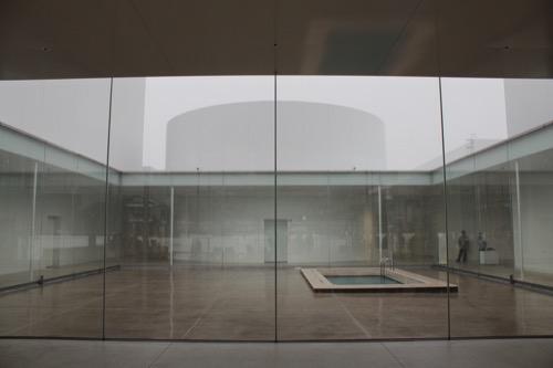 0006:金沢21世紀美術館 中庭②