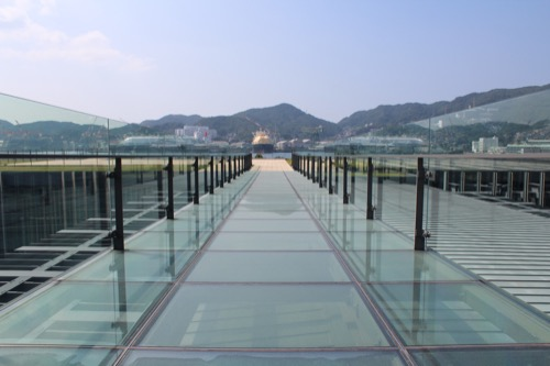 0014:長崎県美術館 ブリッジ上のガラス廊下