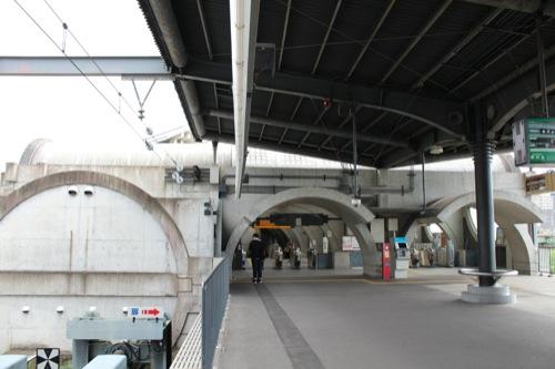 0032:京阪宇治駅舎 ホームから①