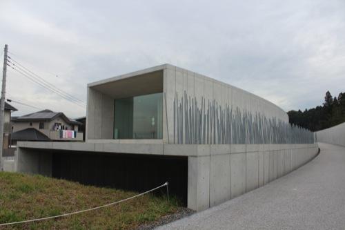 0033:ホキ美術館 入口までのアプローチ