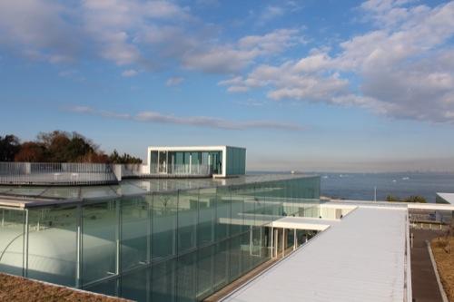 0034:横須賀美術館 屋上から浦賀水道を望む