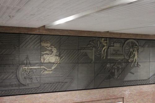 0038:馬車道駅舎 中村順平氏の壁画『横浜開港史』
