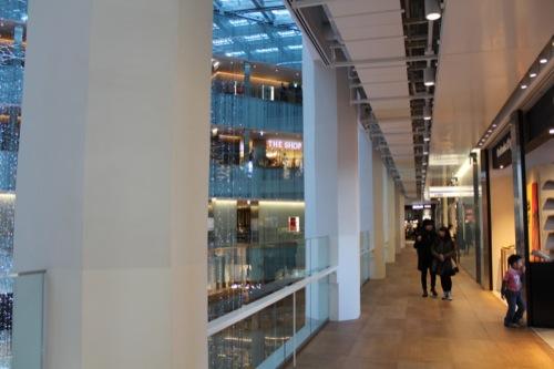 0042:JPタワー 駆体の残るエリアの廊下