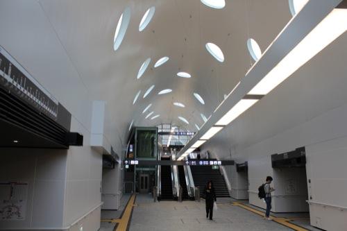 0043:新白島駅舎 メイン
