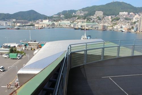 0046:長崎港上屋B棟 C棟展望デッキから屋根を望む