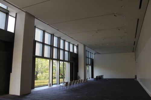 0054:京都国立近代美術館 1階左奥部のフリースペース