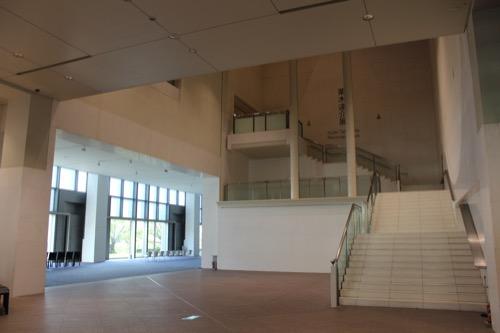 0054:京都国立近代美術館 3階展示室へ向かう階段
