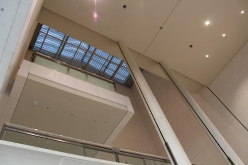 0054:京都国立近代美術館 階段上部にあるトップライト