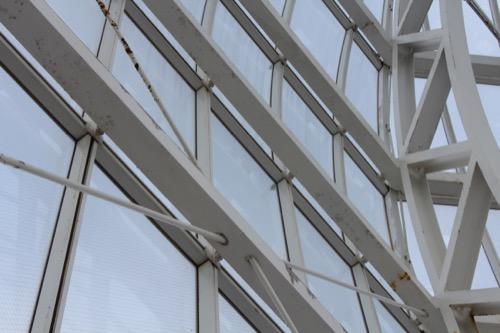 0056:葛西臨海水族園 ドームの曲面を構成するスチールフレーム