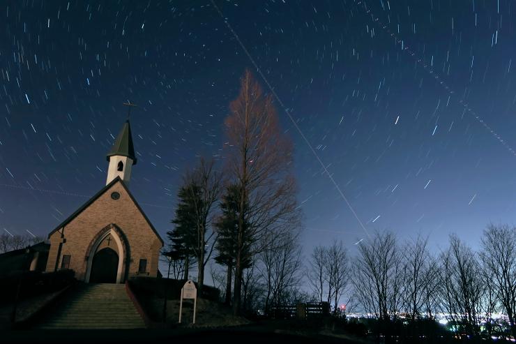 聖アンナ教会の夜