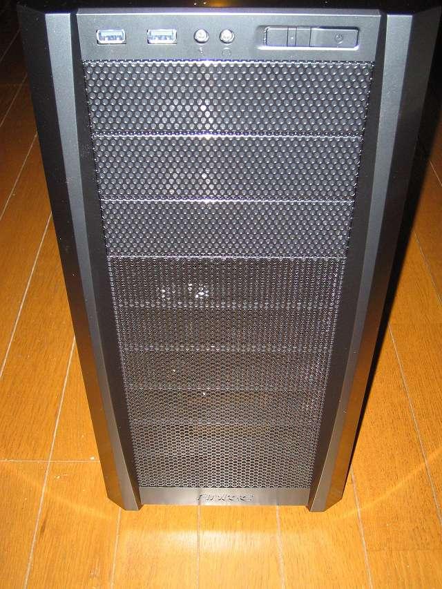 PC ケース Antec Three Hundred Two AB PC ケース正面 フロントパネル、フロントメッシュ 全体