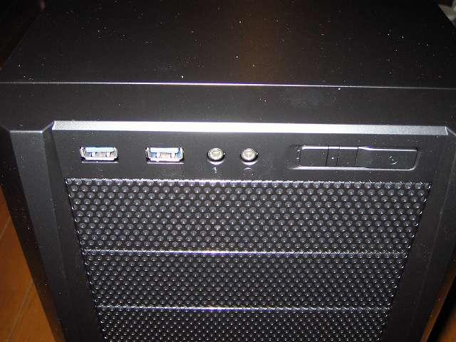 PC ケース Antec Three Hundred Two AB フロント I/O ポート