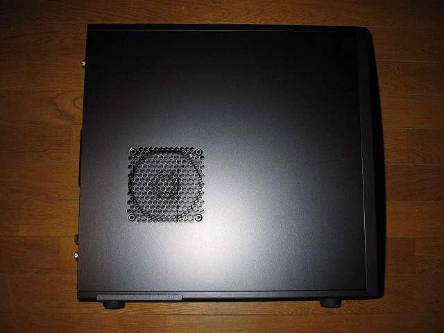 PC ケース Antec Three Hundred Two AB PC ケース側面 サイドパネル(パーツ収納面側)