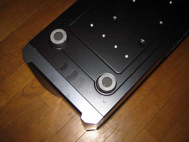 PC ケース Antec Three Hundred Two AB PC ケース底面 ボトム 大型シリコンゴム 2か所(PC ケースフロント側)
