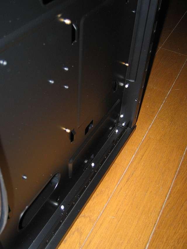 PC ケース Antec Three Hundred Two AB 裏配線 PC ケース底面と背面側スペース