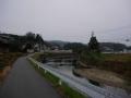 151223富雄川の県道対岸を進む