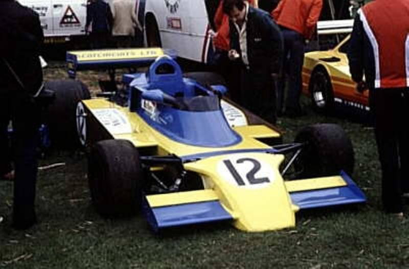 Surtees TS19+_2