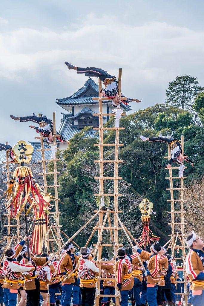 2016.01.10金沢市の消防出初式_加賀鳶梯子登り3