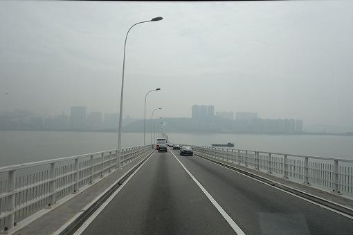 マカオ・タイパ大橋を渡る