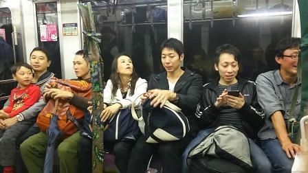 001電車にて