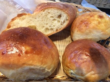 自家製パンは4つまで