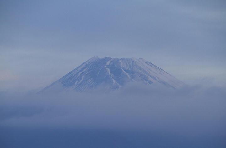 11月30日 6-44 今朝の富士山
