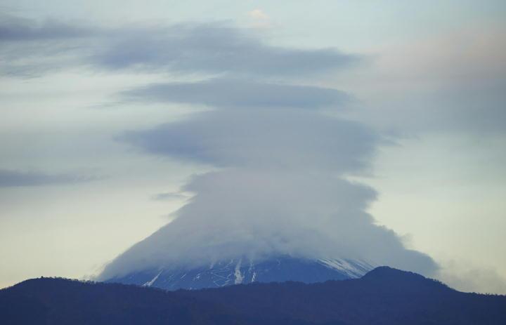 12月21日 7-01 今朝の富士山