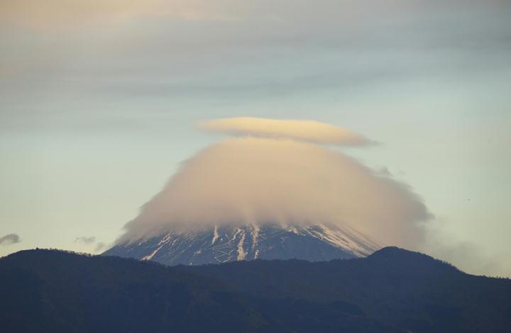 12月21日 7-11 今朝の富士山