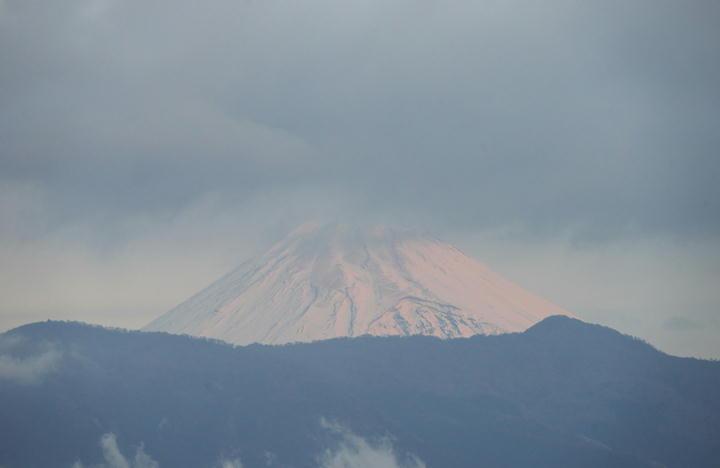 12月25日 6-51 今朝の富士山-1