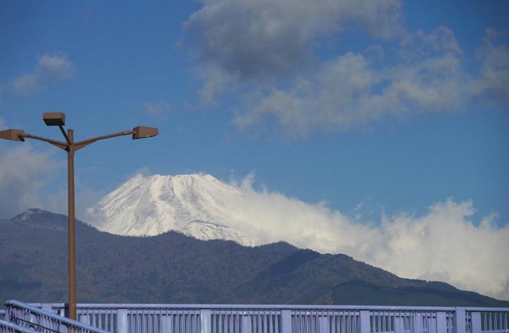 12月26日 9-28 今朝の富士山