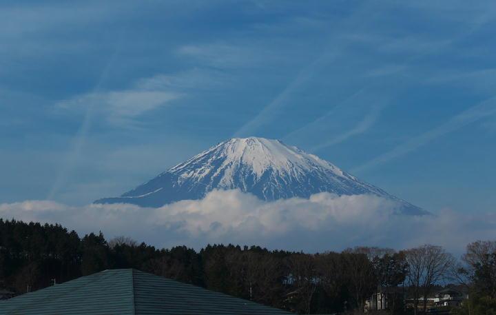 1月17日 10-51 御殿場の富士山