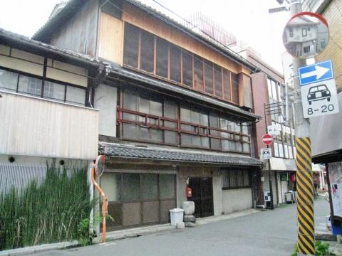 生駒新地の旧料理屋