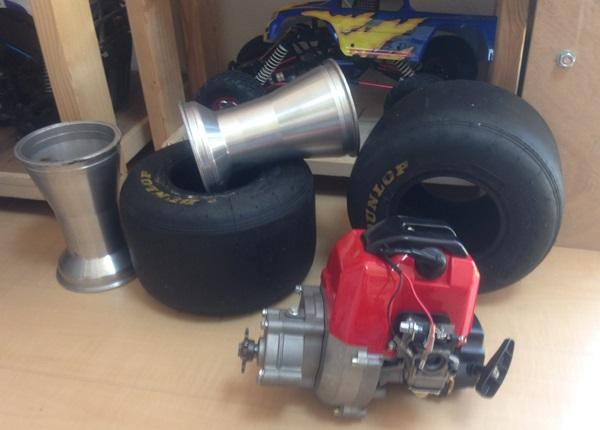 d001エンジンとタイヤ-1