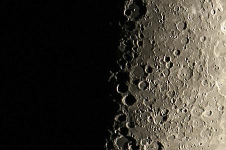 20151218-moonx-18h00m.jpg