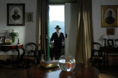 マノエル・ド・オリヴェイラ 『アンジェリカの微笑み』の一場面