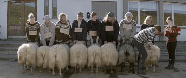 グリームル・ハゥコーナルソン 『ひつじ村の兄弟』 年に一度の羊の品評会。