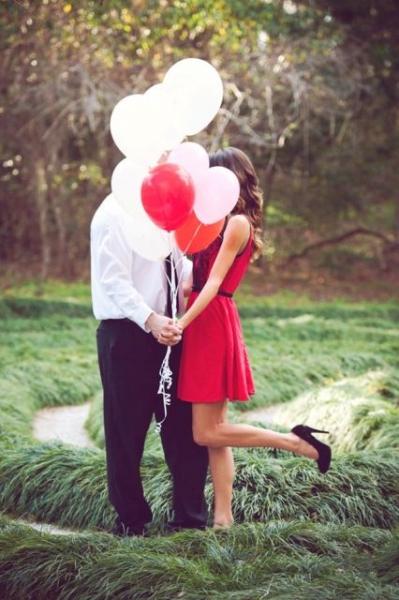24-Romantic-Valentine's-Day-Engagement-Photo-Ideas2