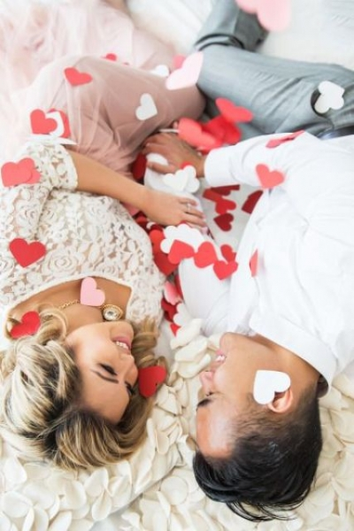 24-Romantic-Valentine's-Day-Engagement-Photo-Ideas3