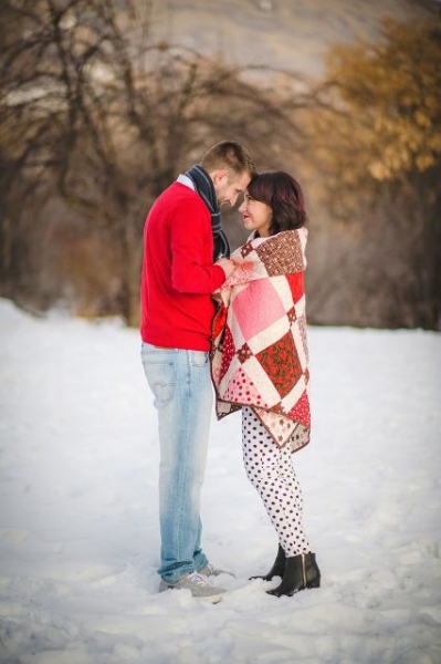 24-Romantic-Valentine's-Day-Engagement-Photo-Ideas4
