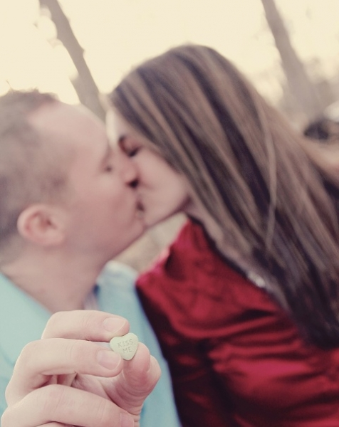 24-Romantic-Valentine's-Day-Engagement-Photo-Ideas7