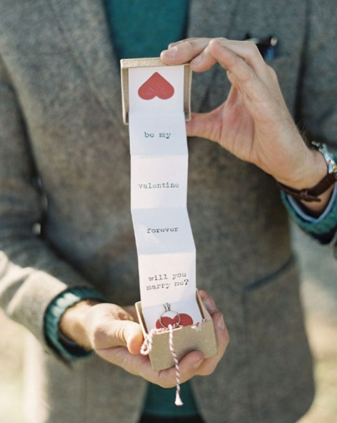 24-Romantic-Valentine's-Day-Engagement-Photo-Ideas12